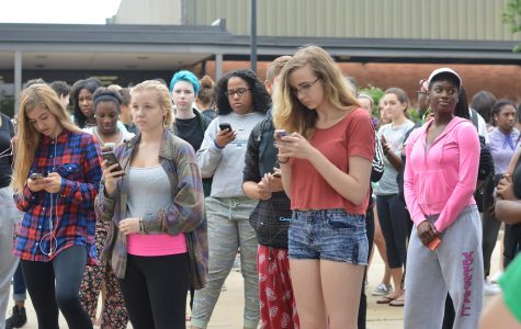 Students utilize Twitter to voice opinion over Ferguson events