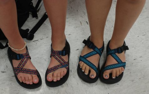 Students step into Chaco trend