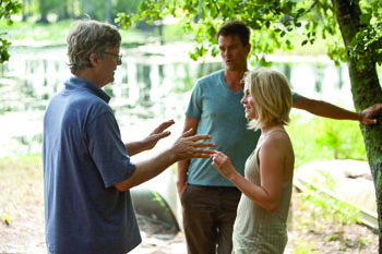 """Safe Haven"" repeats past Sparks novels"