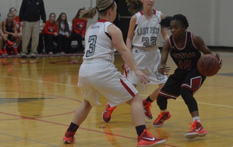 Girls basketball alters style of play to fit new roster