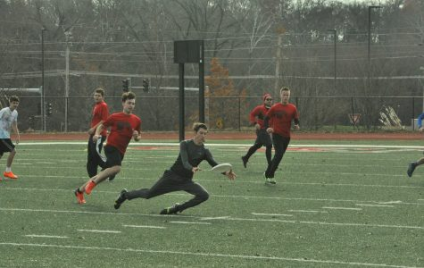 Frisbee Team Starts Thanksgiving Tradition