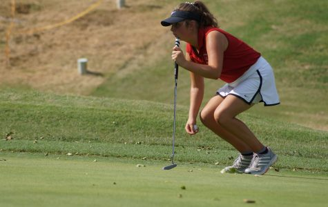 Golfer qualifies for state with father by her side
