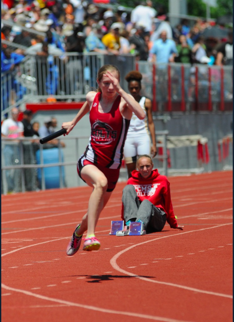 Sophomore+Eliana+Liebman+warms+up+for+her+relay+in+the+Sectionals+meet+in+Mexico%2C+Missouri+on+May+21.+%E2%80%9CInitially+I+wasn%E2%80%99t+going+to+do+track+since+I+didn%E2%80%99t+like+running%2C%E2%80%9D+Liebman+said.+%E2%80%9CBut+I+like+it+now+because+I+like+to+win.%E2%80%9D+Liebman+will+be+hoping+to+follow+up+an+outstanding+freshman+season+with+an+even+better+sophomore+one.