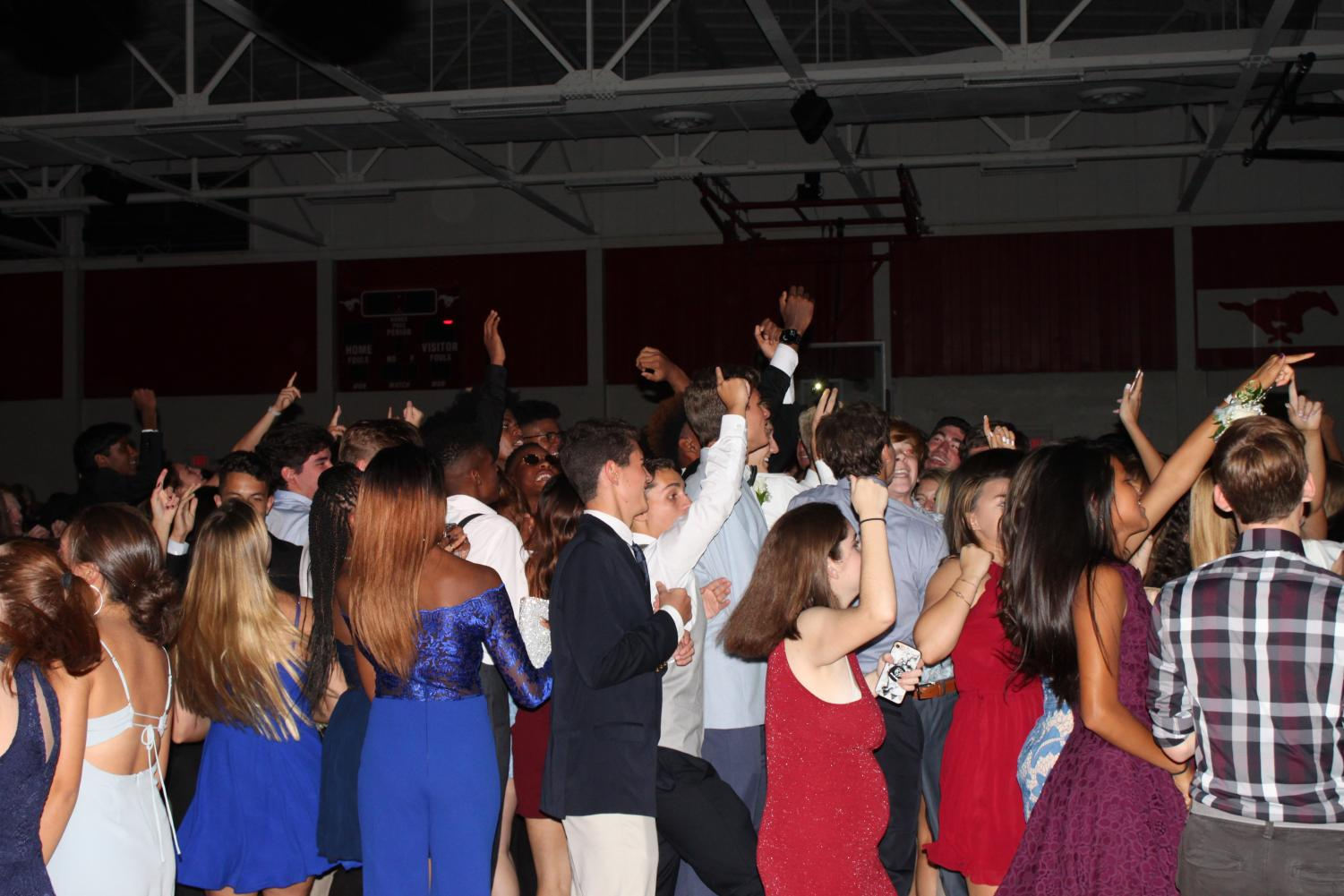 Students dancing at homecoming on Sat. Oct. 13.