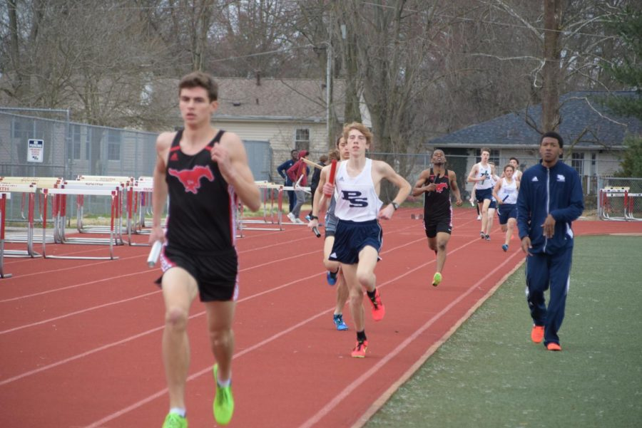 Sophomore+Andrew+Ahrens+runs+at+a+track+event.+