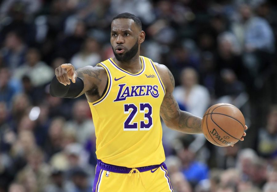 The Los Angeles Lakers' LeBron James directs traffic against the Indiana Pacers at Bankers Life Fieldhouse in Indianapolis on Tuesday, Dec. 17, 2019. The Pacers won, 105-102. (Andy Lyons/Getty Images/TNS)
