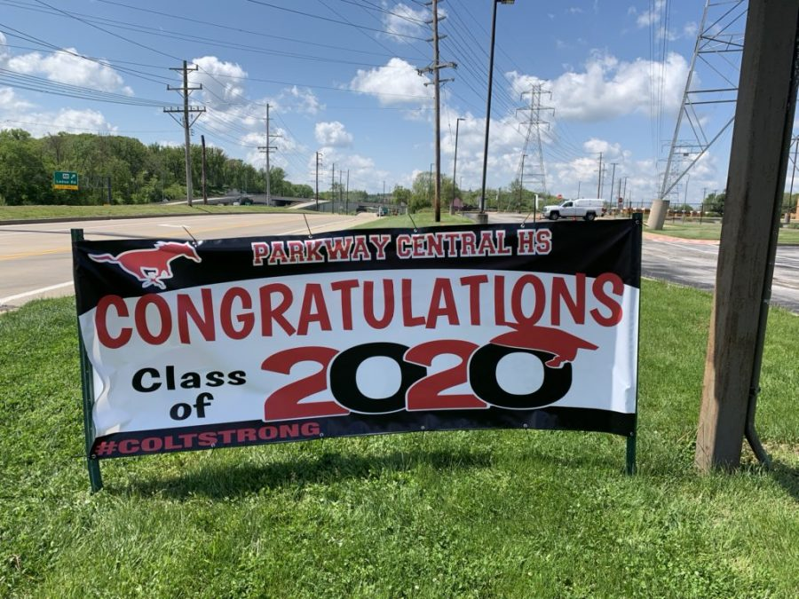 Parkway+Central+High+teachers+delivered+signs+and+t-shirts+to+seniors%2C+and+admin+put+this+banner+sign+up+to+honor+seniors.++
